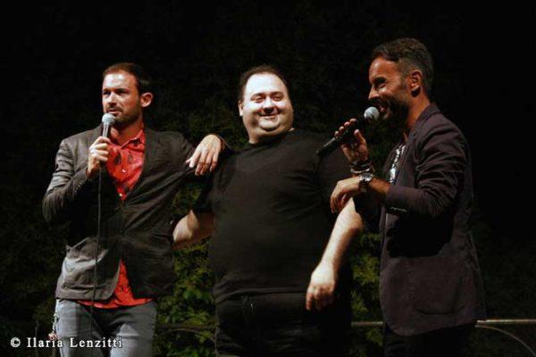Gianluca Impastato e Gianni Astone sul palco con Nico Lorusso